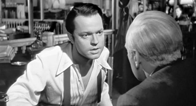 Orson Wells nei panni del giovane Charles Foster Kane.