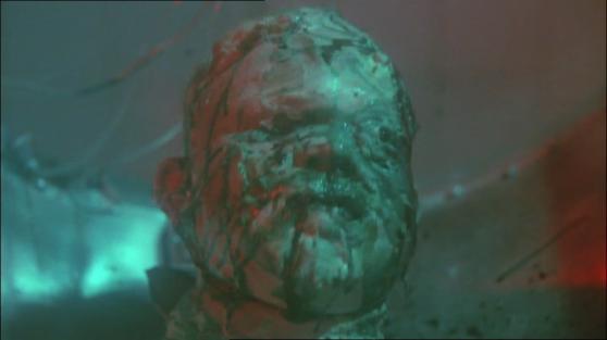 Il primo zombie agli spinaci e ricotta, ed è nella scena iniziale. :)
