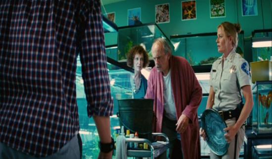 Potenziate il vostro film horror splatter con Christopher Lloyd inserendolo in due scene due.
