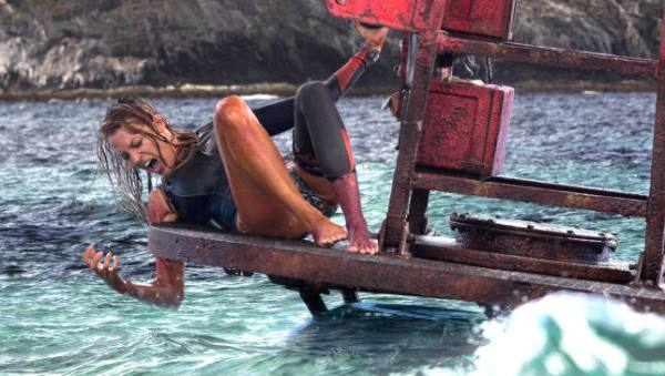 the shallows 2016 screenshot