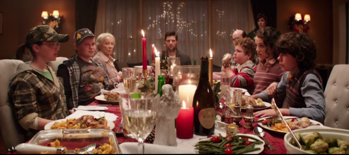 krampus-2015-dinner-with-the-family